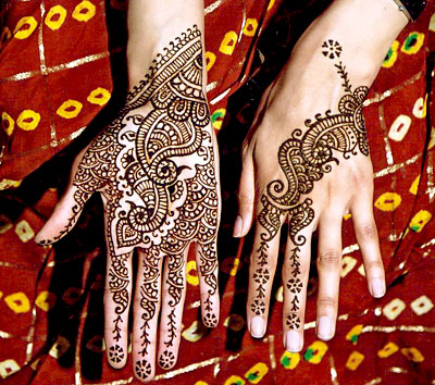 http://yasirimran.files.wordpress.com/2008/10/mehndi-designs-751.jpg
