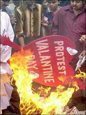 Valentine-india-protest
