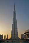 Burj-Khalifa-at-the-top-01